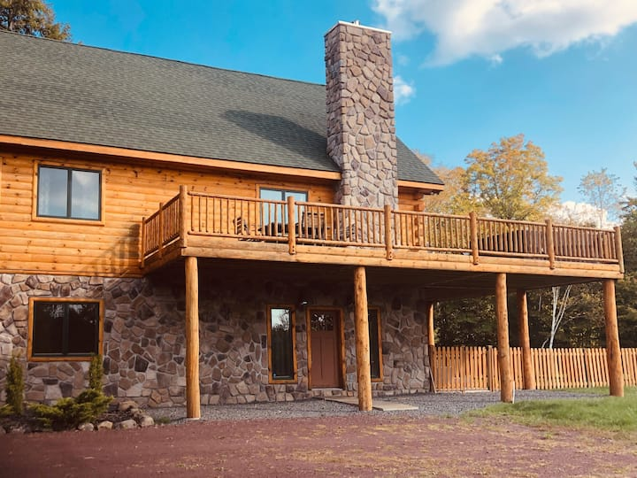 Windham Luxury Pet Friendly Retreat