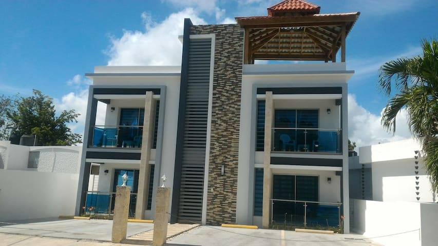 Apartamento amueblado frente a la Playa 3H