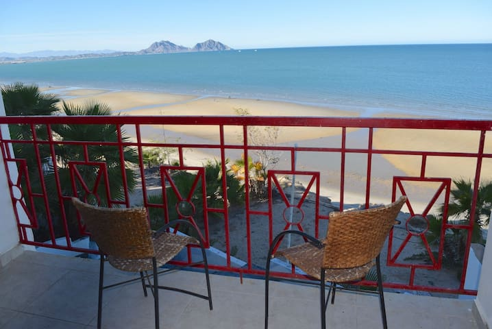 Beachfront 12 guests + Pets  + Pool - San Felipe - Ev