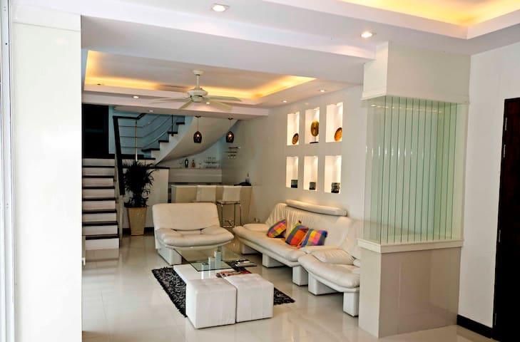 White Villa Patong Sleeps 8