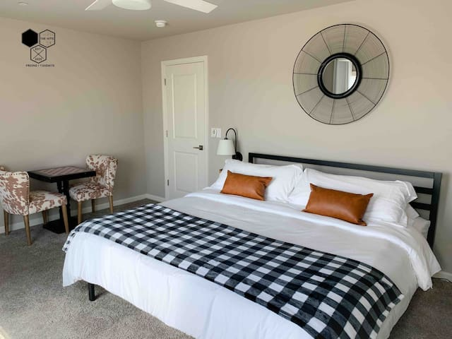 Master Suite with usb night tables