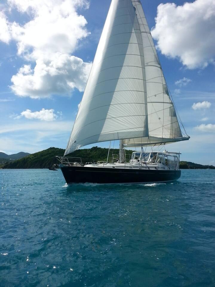 Under sail off St Martin