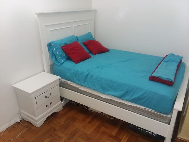Renovated rooms. Newly furnished 5 min from nyc.