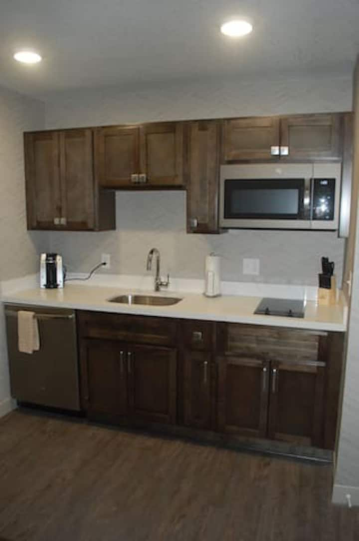 Spring Lake Suites - 1-Bedroom Accessible