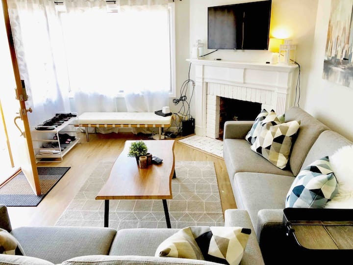 Chic Modern 3BR Remodel Home near SFO Free Parking