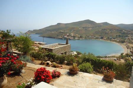 Cozy Studio with amazing sea views over Otzias-Kea