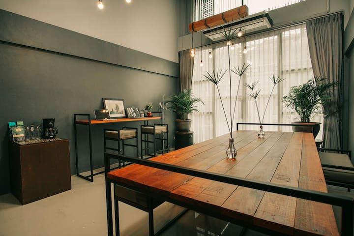work desk / work space