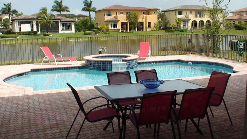 6,800 SQ FT 6/4 (7 BEDS) POOL SPA WATER VIEW - Parkland - Ev