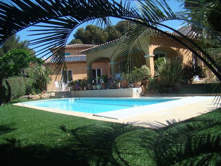 Villa 2 bedrooms 400m from beach