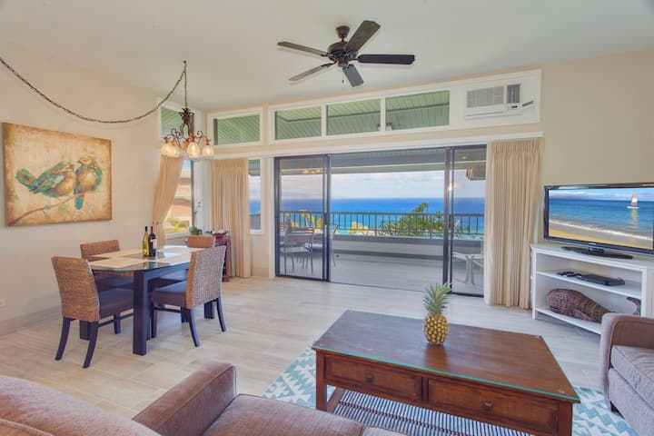 Kapalua Ridge 2422. Luxurious remodeled townhouse with gorgeous ocean, island, golf course AND coastal views!