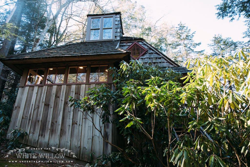 Charming Exterior made of Wood and Cedar Shake Siding