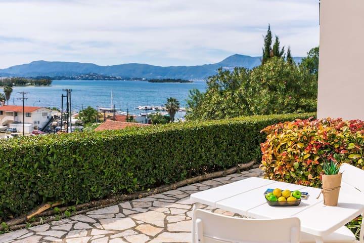Seaview Luxurious Apartment near Corfu town