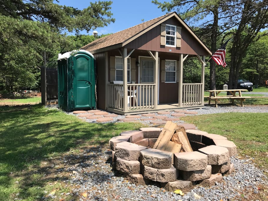 Modern Tiny House Primitive Cabin Cottages For Rent In