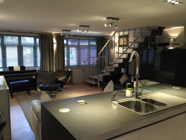 Ultra Modern Designed Apartment  - Witherley - Huoneisto