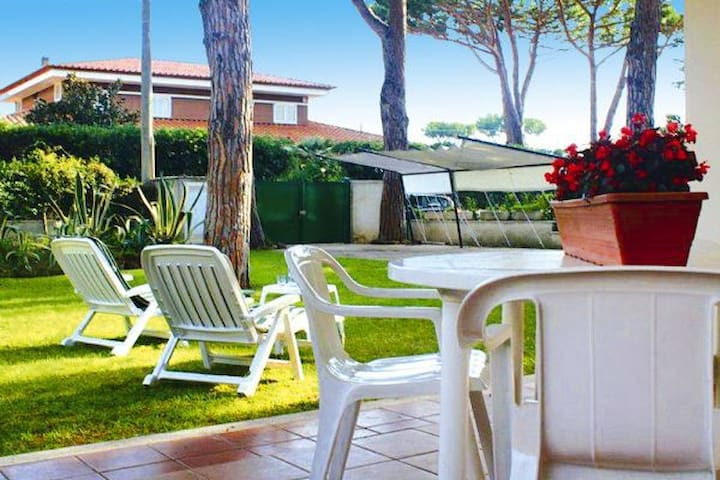 Elegant Seaside Villa Near Rome 3 - Lido dei Pini - Casa de camp