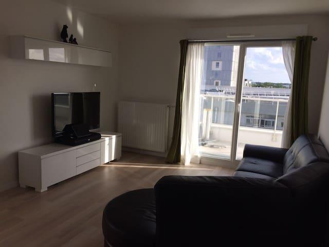 Bel appartement de 3 pièces à Evry - Évry - Byt