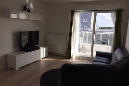 Bel appartement de 3 pièces à Evry - Évry - Apartemen