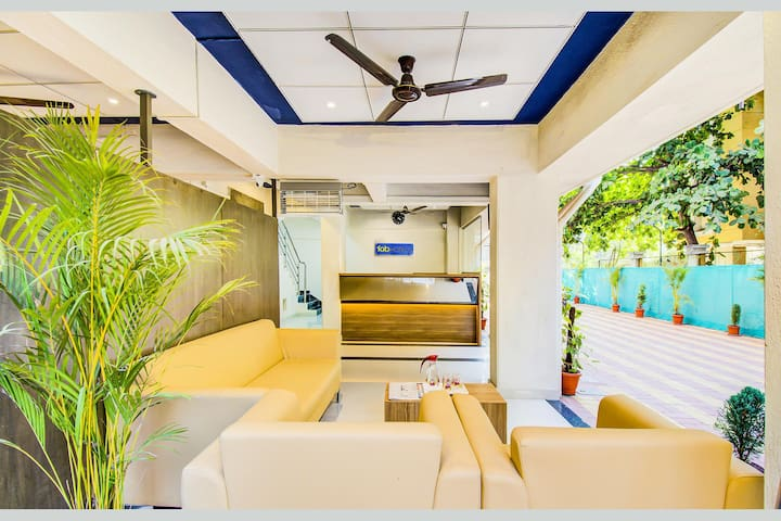 The Most preferred Deluxe Comfort Stay Room with Inhouse Restaurant |VIMAN NAGAR|