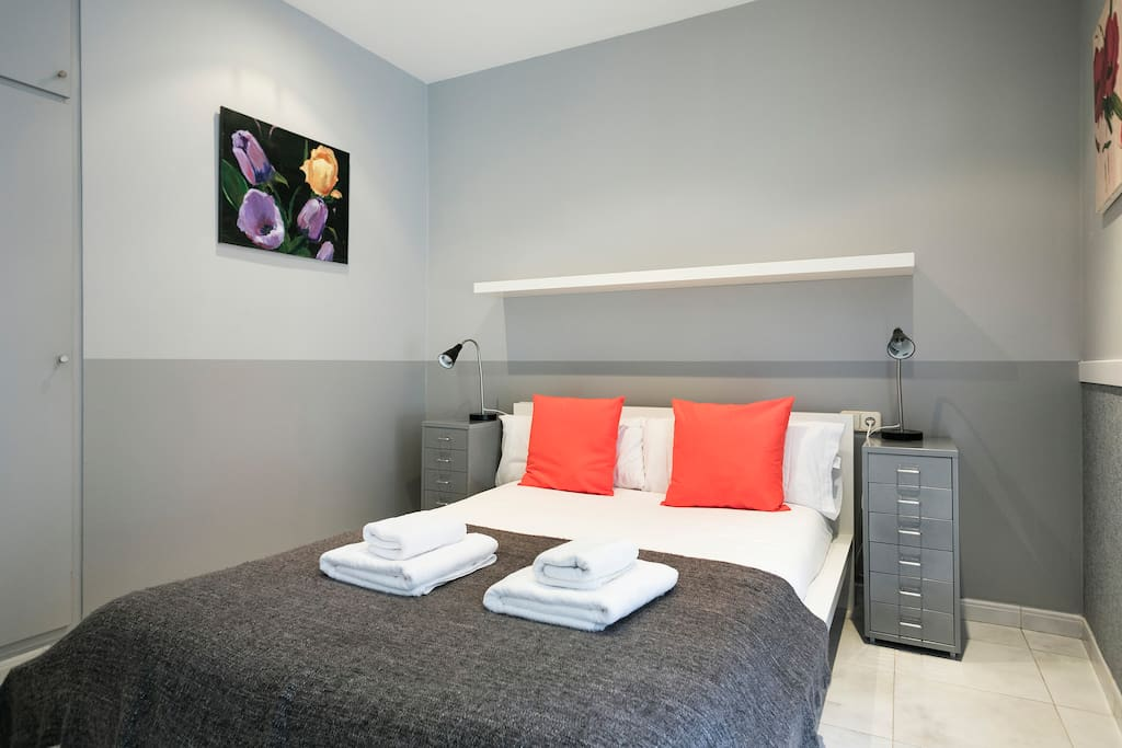 After an enjoyable day in Barcelona, come back and relax in a comfortable bed.