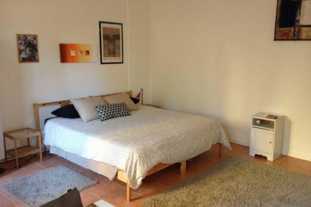 Details large bedroom