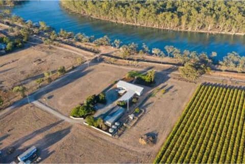 4 Bedroom house on Murray River. Boat ramp access
