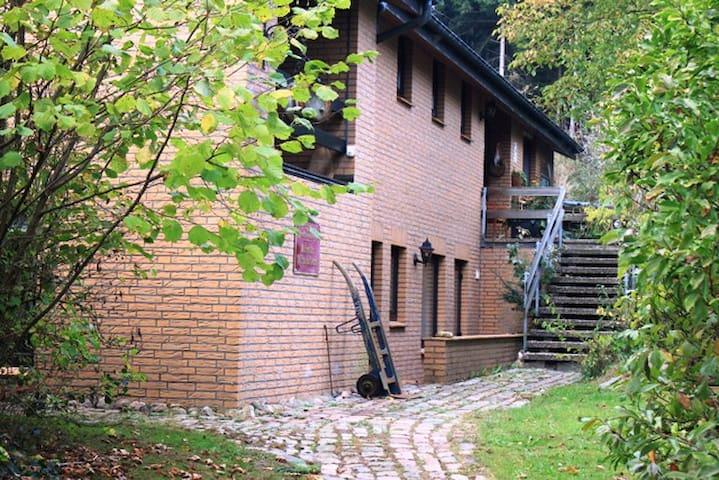 Haus im Grünen, direkt am Wald.