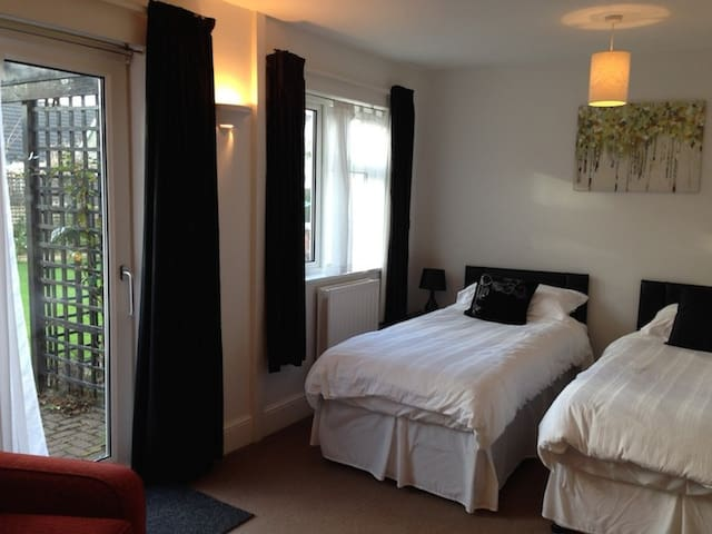 Friendly Twin Room in Braunton (T)