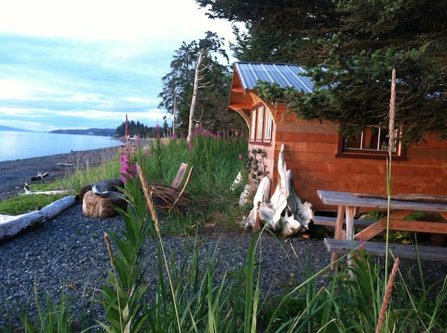 Between Beaches Cannery Cabin - Seldovia - Cabin