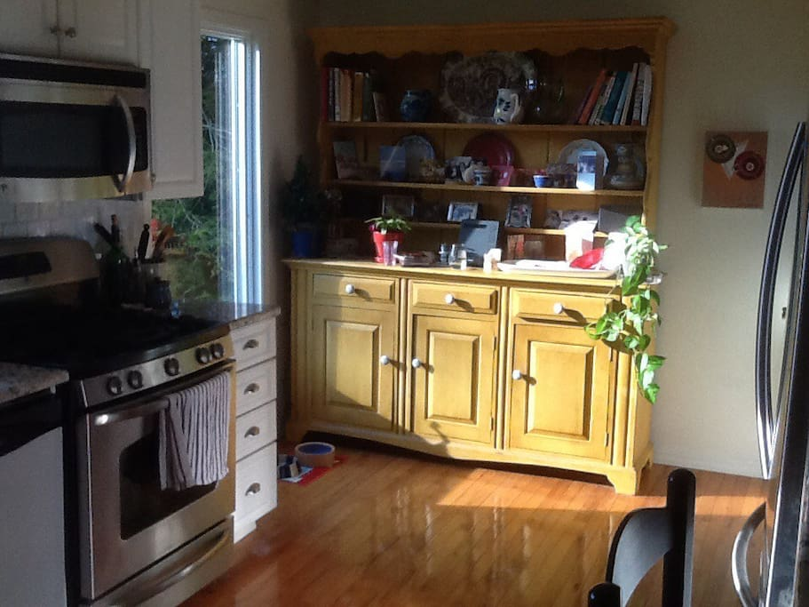 Partial view of the kitchen