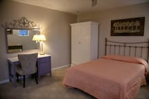 Wooded Oasis Lodge Extended Stay Room 3