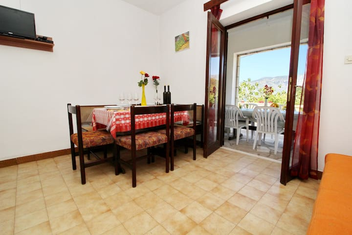 Pada - Standard Two Bedroom Apartment with Terrace