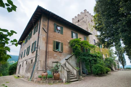 WATCHTOWER small castle by Florence - Apartment