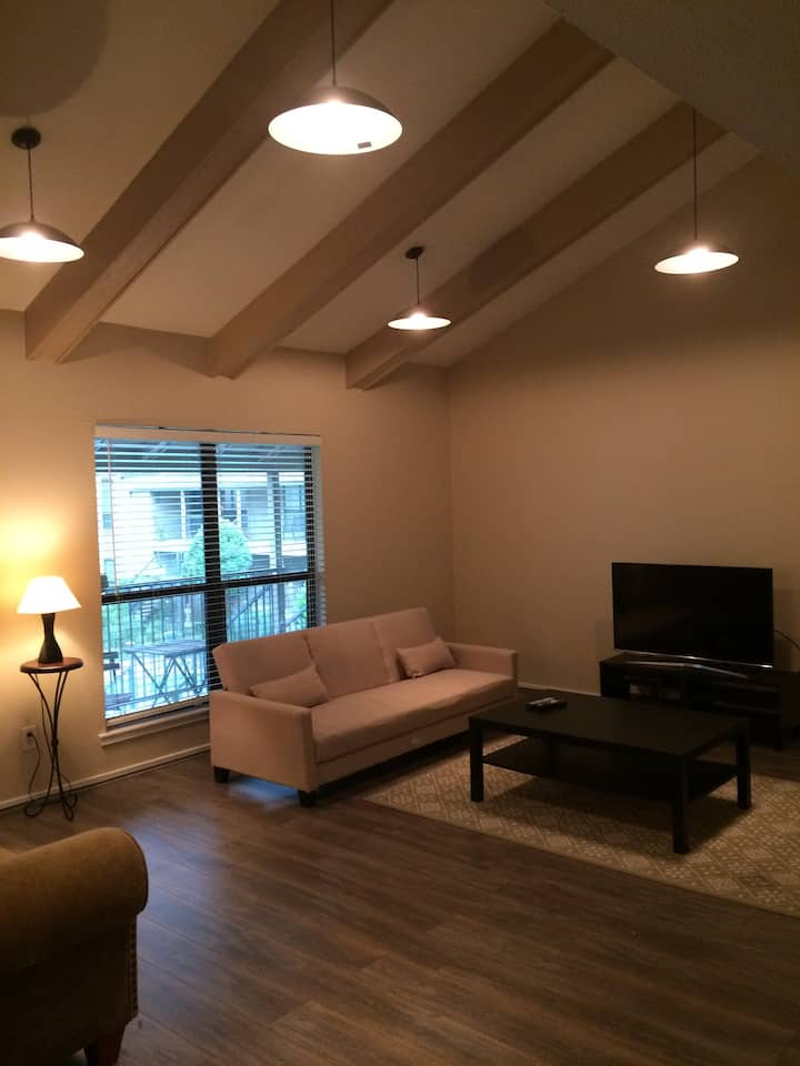 Cozy Business Condo with Tropical Pool- Galleria