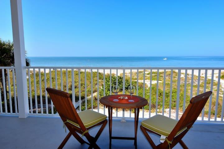 BEACHFRONT/Panoramic Views of the Gulf #202