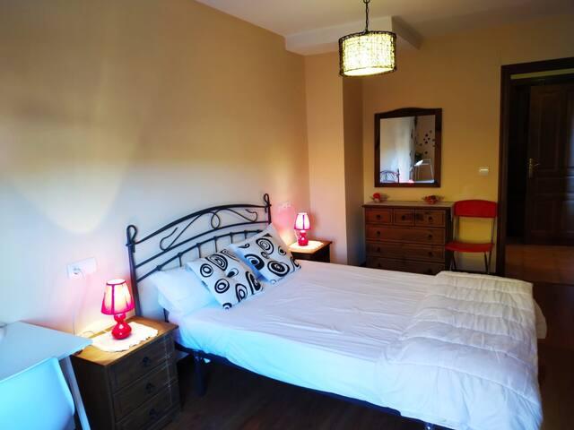 Apartamentos turísticos La Fragua, Medio.