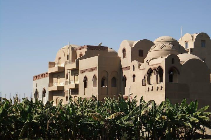 Stunning Luxor villa, sleeps 10