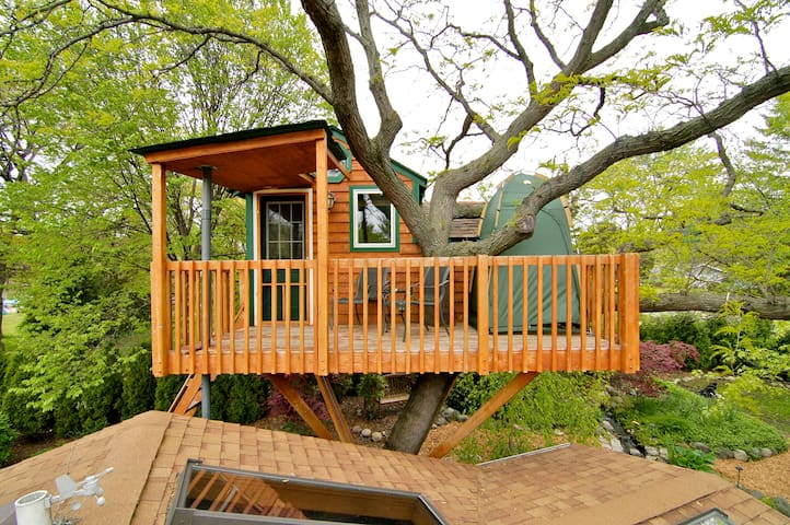 Enchanted Garden Treehouse (Amenity*) - Schaumburg - Cabana en un arbre
