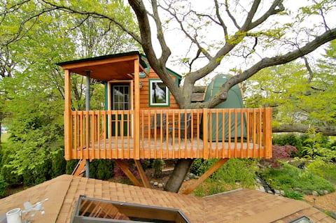 Enchanted Garden Treehouse (Amenity*)