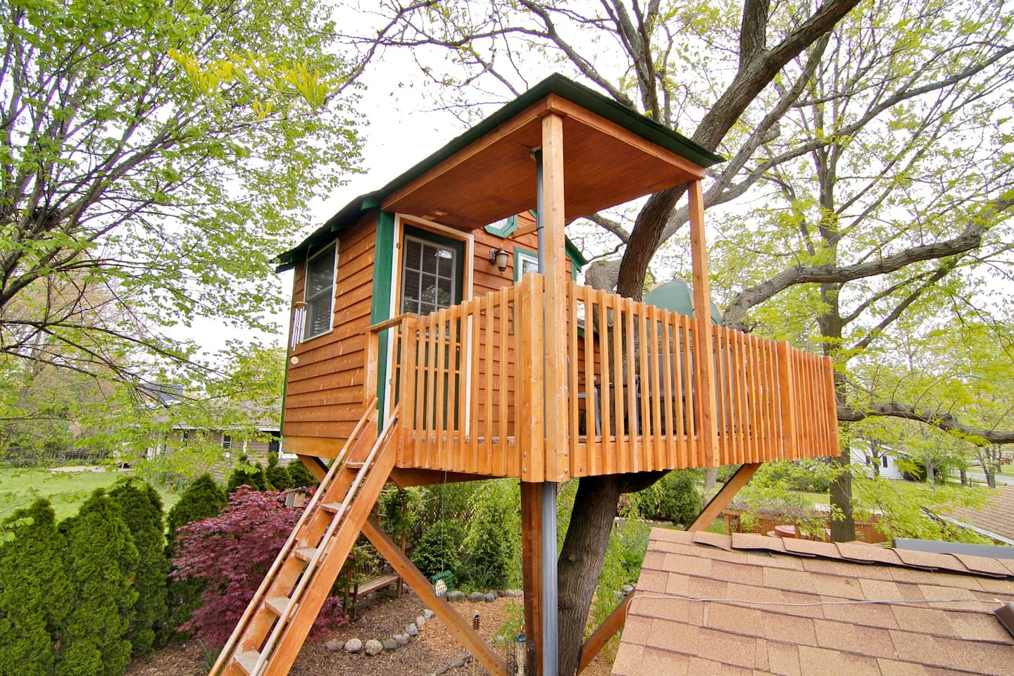 enchanted garden treehouse amenity treehouses for rent in