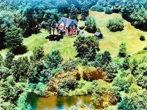 Catskills Paradise on 62 Acres