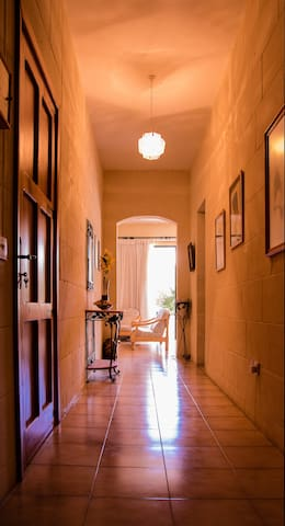 Two bedroom apartment: walking distance from beach