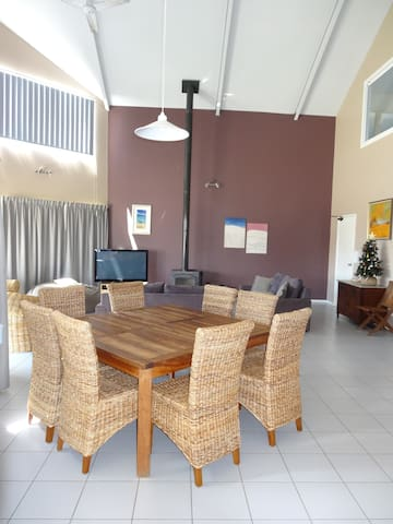 Unique beachhouse near Busselton; ocean views - Peppermint Grove Beach - Dom