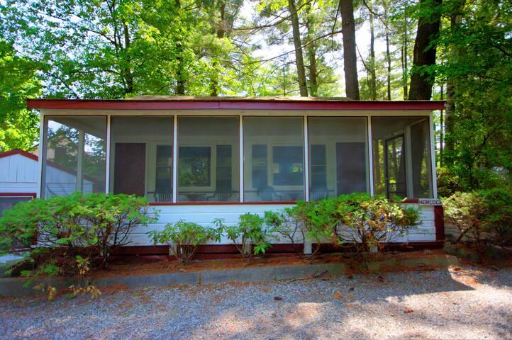 Glenmoore Lodge Hemlock Cabin