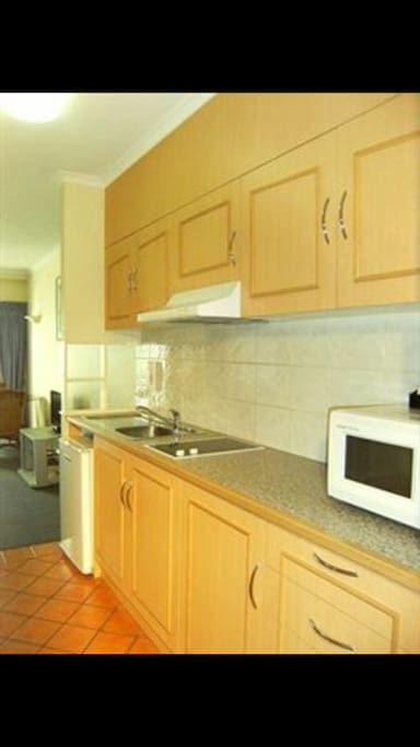 Kitchenette, equipped with all plates, cutlery and cooking utensils