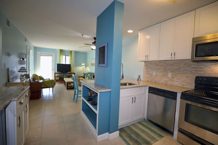 2 BR 2 BA VILLA BEACH LUXURY - Hilton Head Island - Apartment