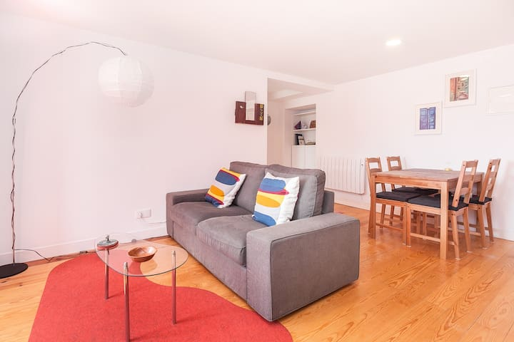 Spacious One-Bedroom Apartment - Bright & Nice