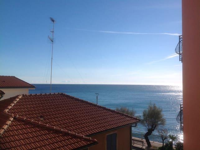 Il tuo alloggio in Riva al mare  - Riva Ligure