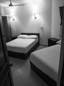 Lush Hostel: En Suite Private Room