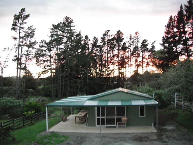 Nice Self Contained Unit! Lovely!! - Kaikohe - Hus
