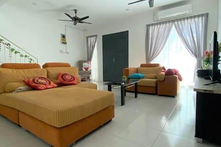 No 66 Little Sweet Home at Ayer Tawar / Sitiawan